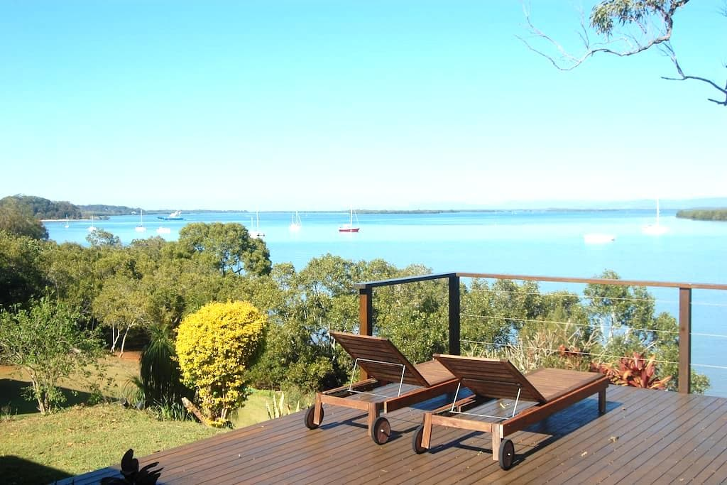 Windsong, a lovely waterfront home - Macleay Island - Hus