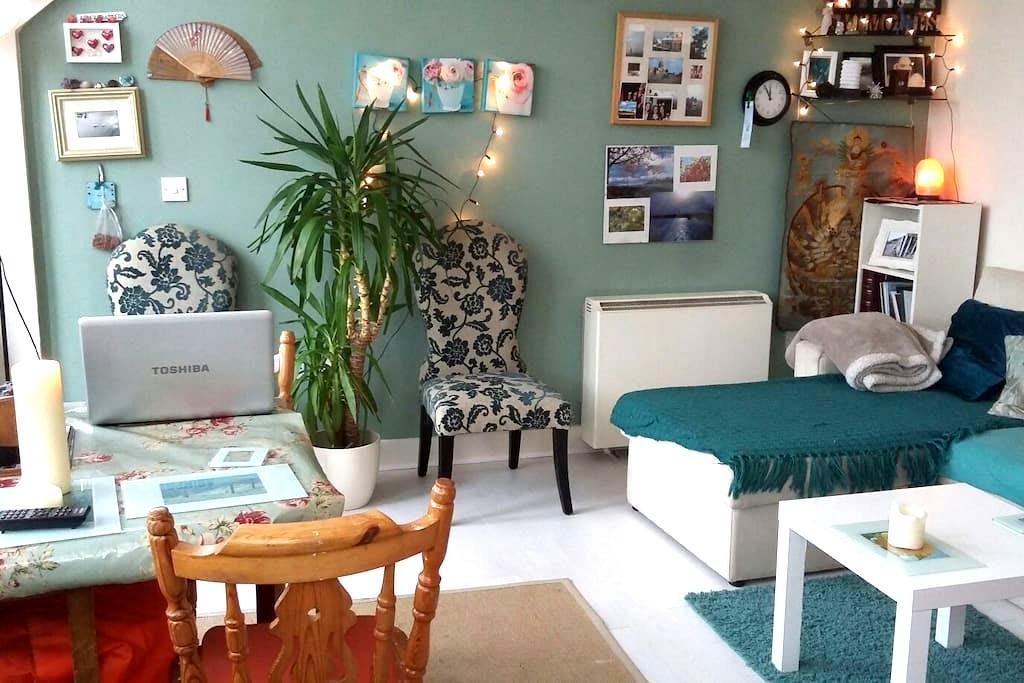 Sofabed in unique topfloor aparmnt - Donabate - Lägenhet
