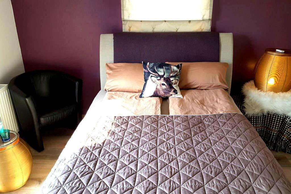 Komfortables Zimmer mit Terrasse - Zarrentin am Schaalsee