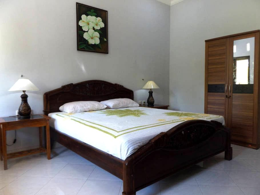 Deluxe 1 Bedroom Villa - A/C & Breakfast (2 of 2) - Pujut - 別墅