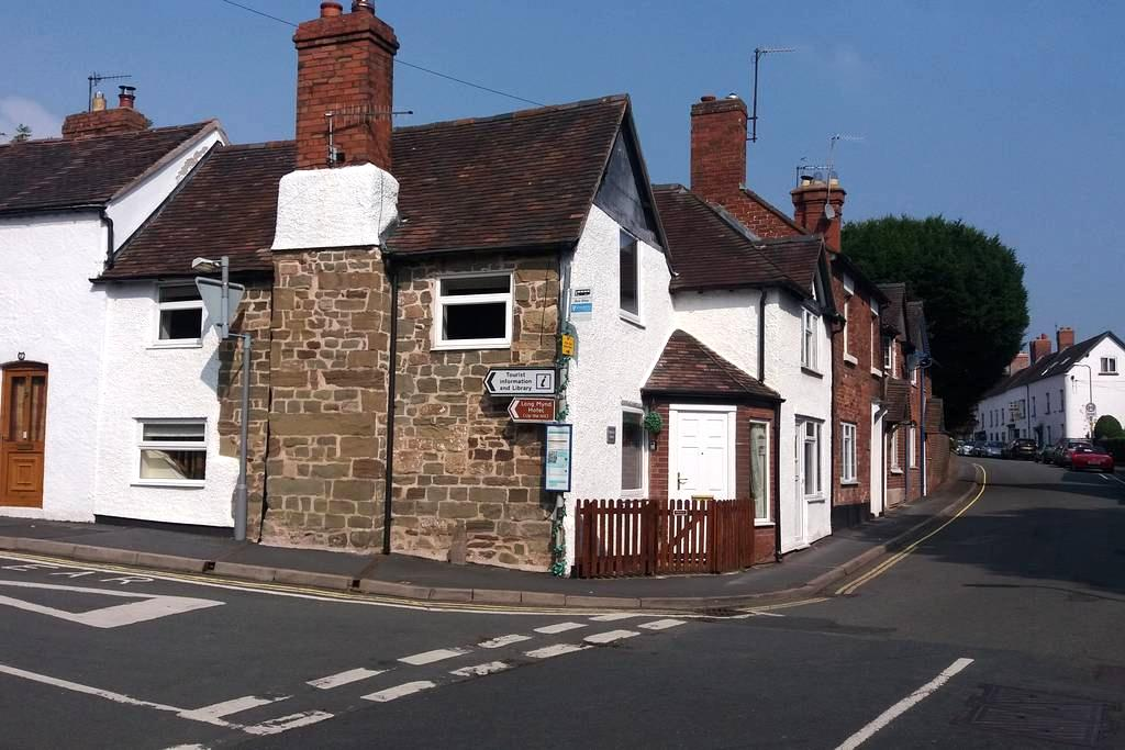 Thursdays Corner, Tudor cottage - Church Stretton - บ้าน