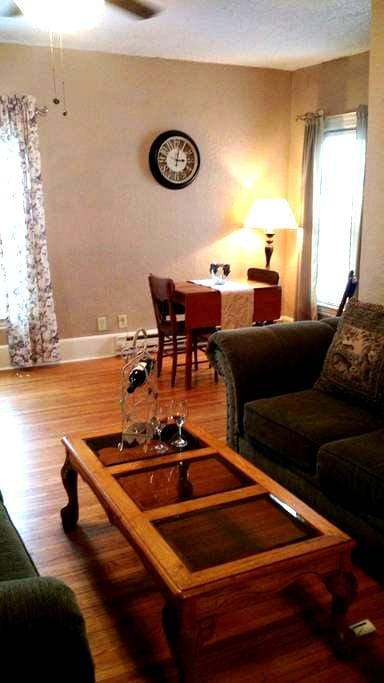 Private Loft three minutes from airport - Sioux Falls - Loft-asunto