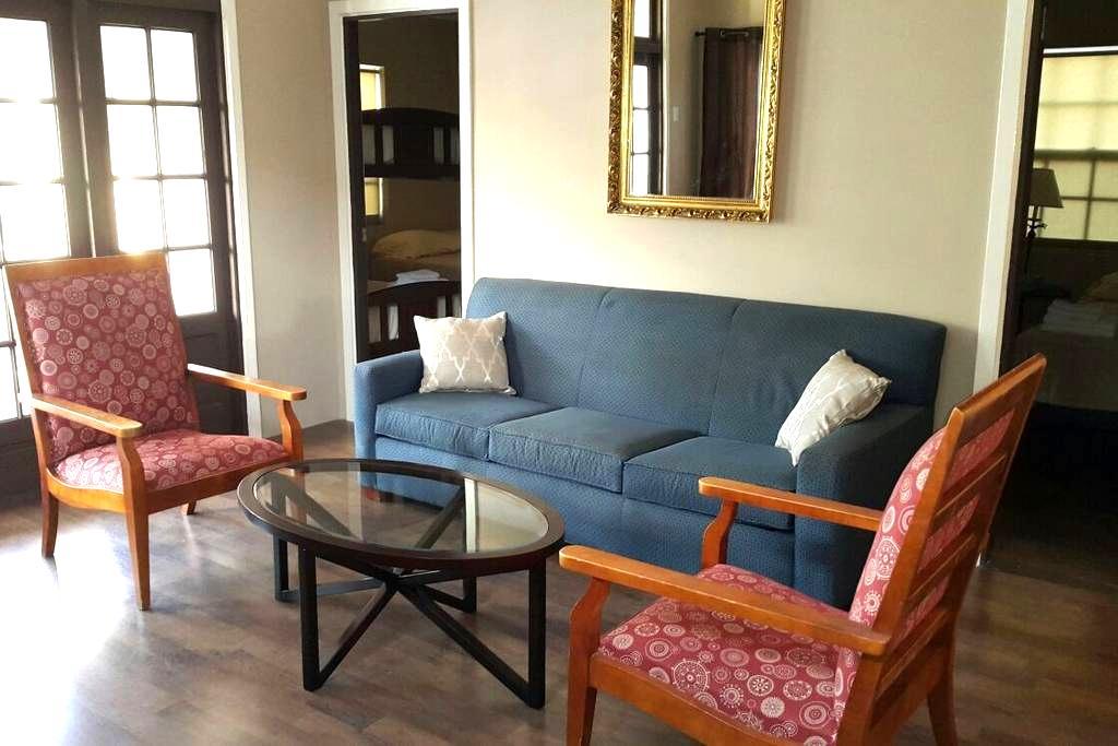 Pista Q Shared  Close to Airport/Restaurants/Shops - Oranjestad - Hostel