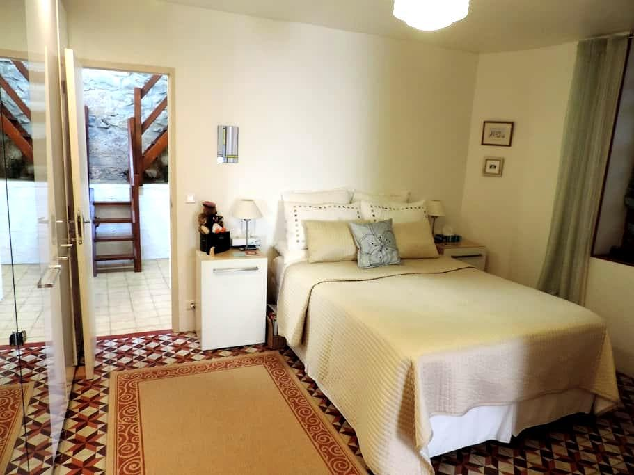 Comfortable rooms in village house - Argens Minervois - Bed & Breakfast