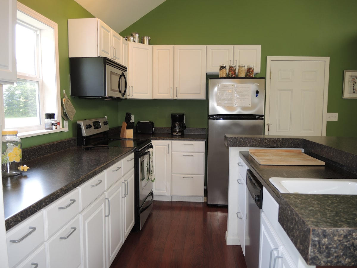 lots of counter space, big farm style sink.