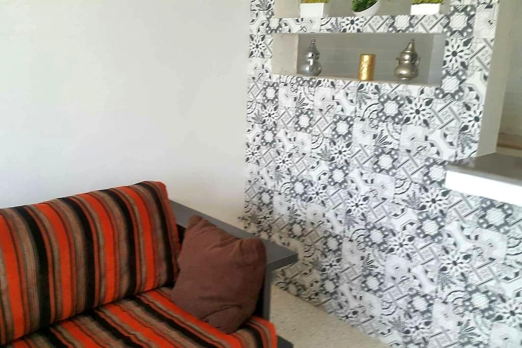 Une chambre a monastir avec une belle vue de mer - Monastir - Apartment