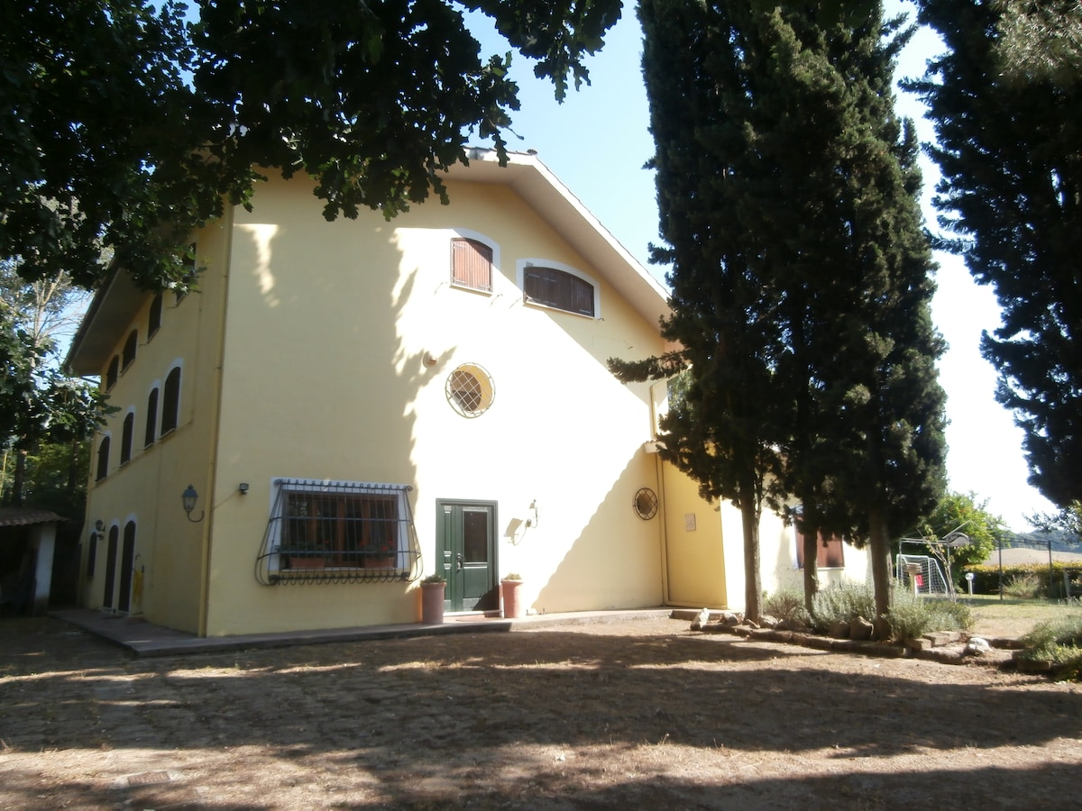 Prestigious country house near Rome