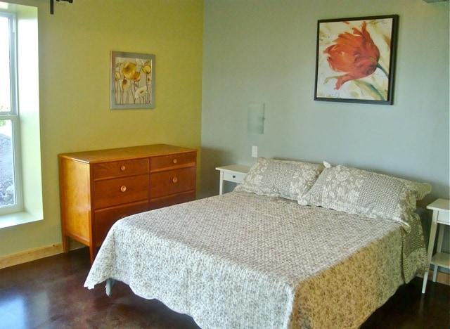 Master Bedroom with en suite bathroom.