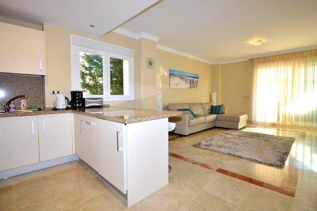 Spacious one bedroom apartment - Estepona - Appartement