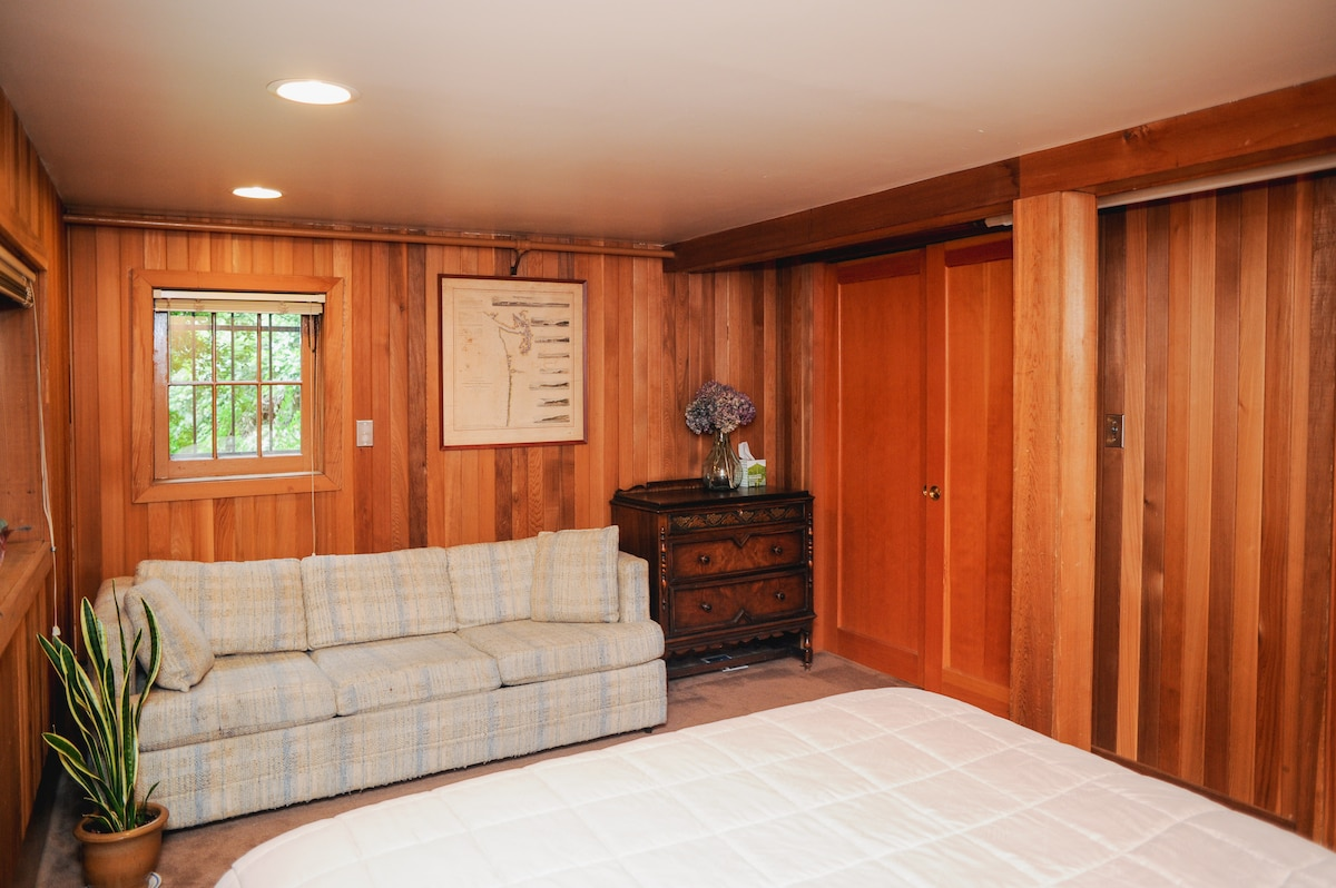 Private bedroom with queen bed and queen hide-a-bed for extra guests