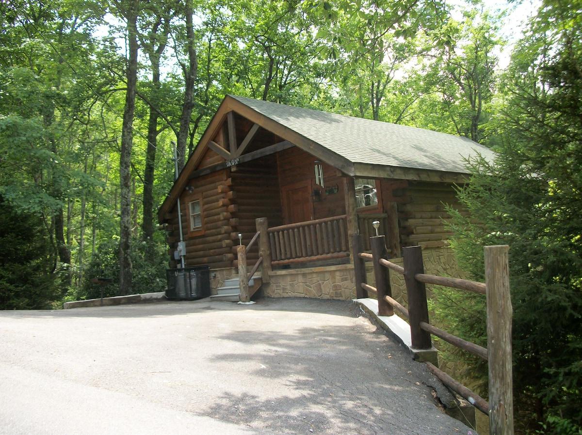 deck me bedroom springs cabin elk love gatlinburg resort cabins tender forge in es pigeon true