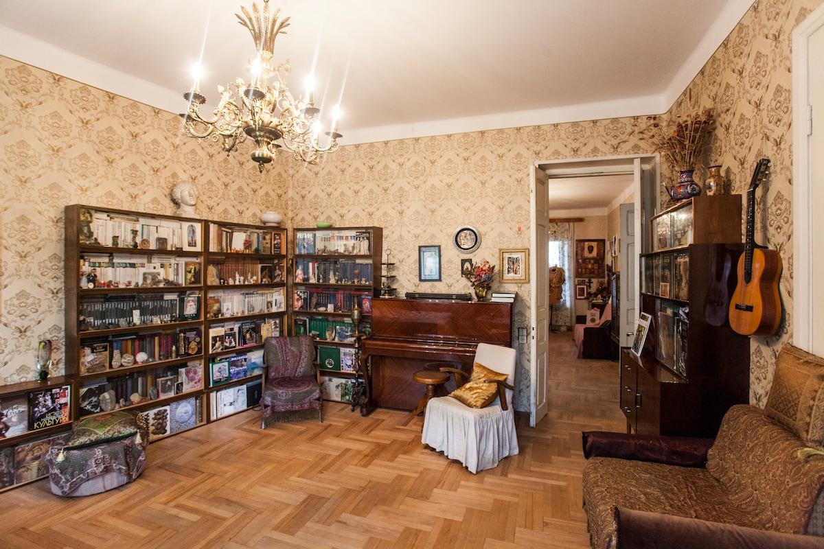Georgian flat & Eastern interior