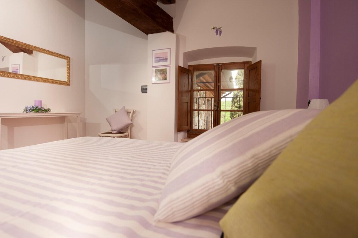 Antico Granaione BB Glicine Room