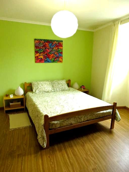 Low Cost Room - with private WC - Ponta Delgada - House