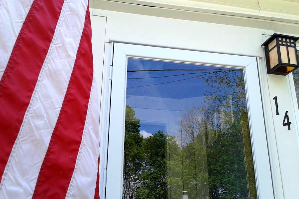 Entire 2nd floor of single-family New England home - Brockton - Ház