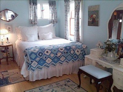 2 BR Beach House 1.5 hrs from NYC