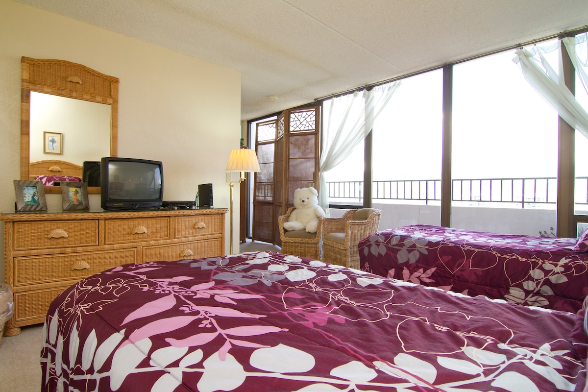 Stunning 2 Bedroom 2 Bath Penthouse