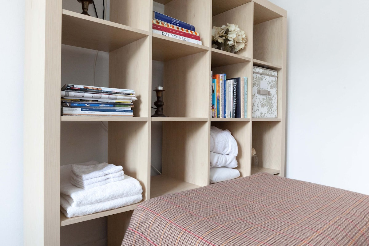 Your private bookshelf and linens