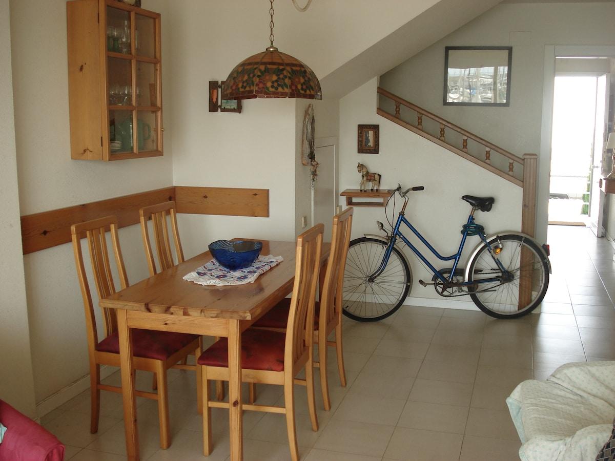 Duplex, 25 km from Barcelona