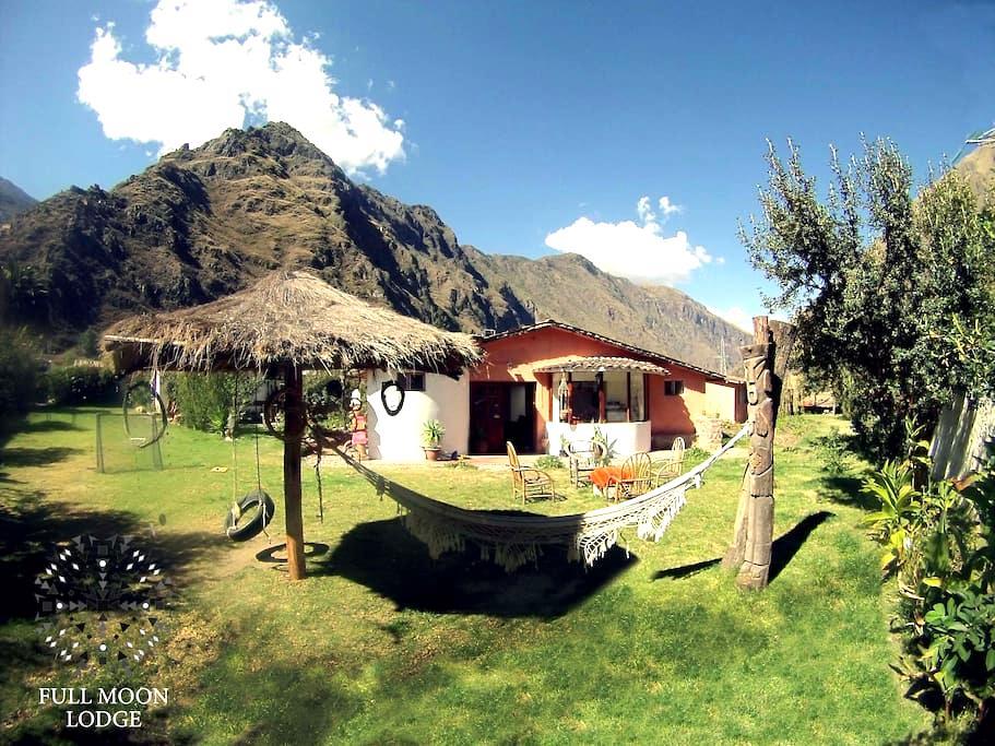 Full Moon Eco Lodge Triple Room - Ollantaytambo - Szoba reggelivel