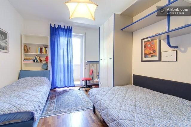 camera a due letti, uno ad una piazza e mezzo