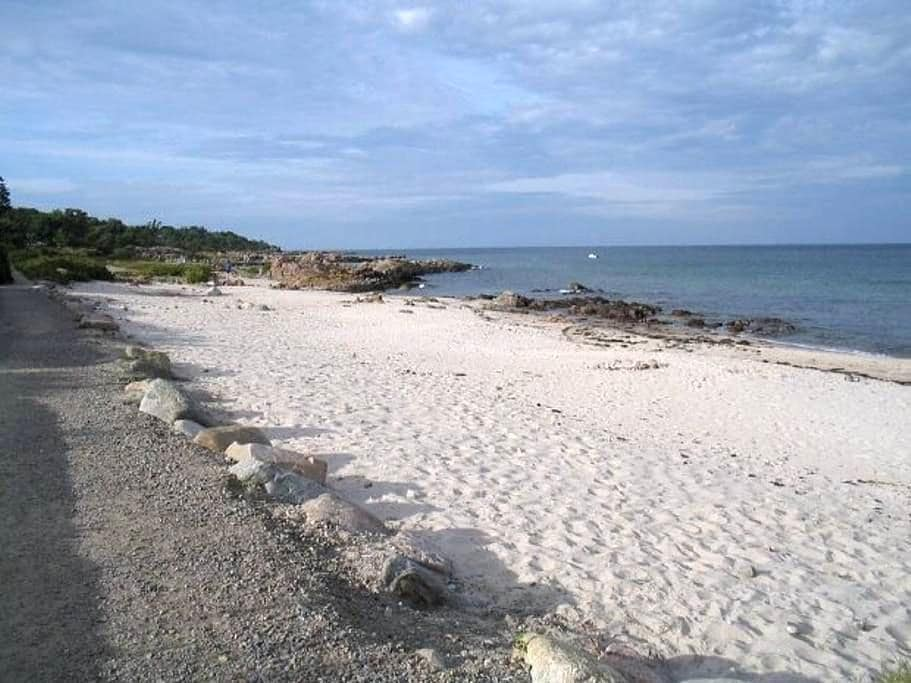 Unikt sommerhus tæt på stranden - Allinge