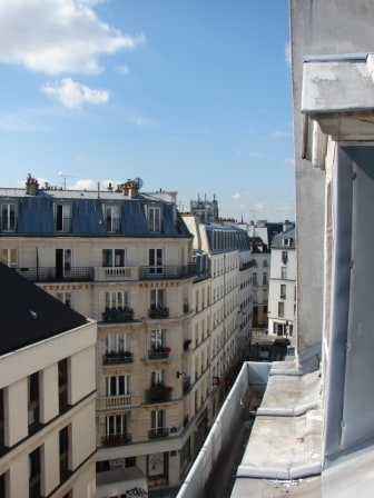 View from the one of the 3 windows on the street. We are higher than other buildings.     Special discount of 20% discount to a limited number of guests! Request a discount at: sebastienparis11@óutlóok.cóm, just type the address manual without any dots.