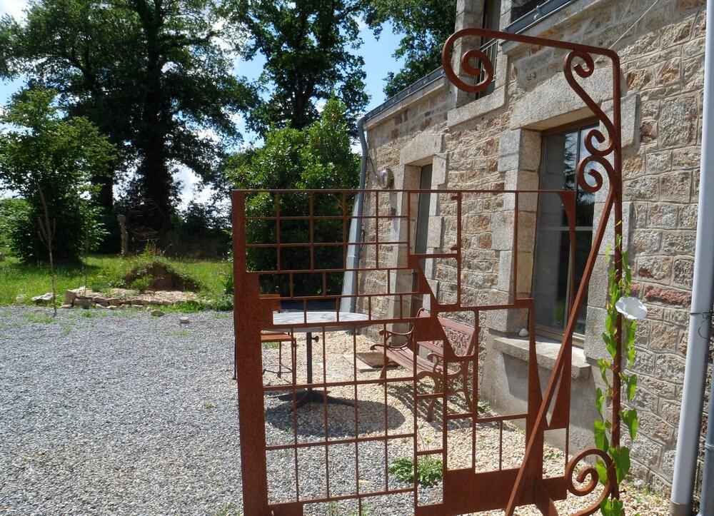 quiet and original sculptor's house