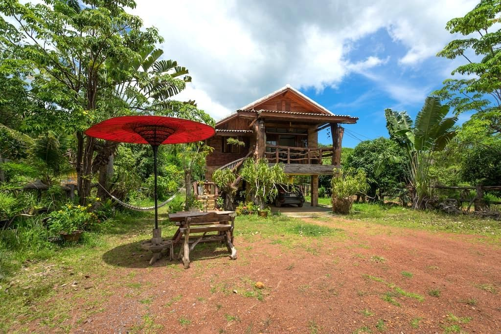Mountain House - Chalet in nature close to beach - Ampur Koh Lanta - Dům
