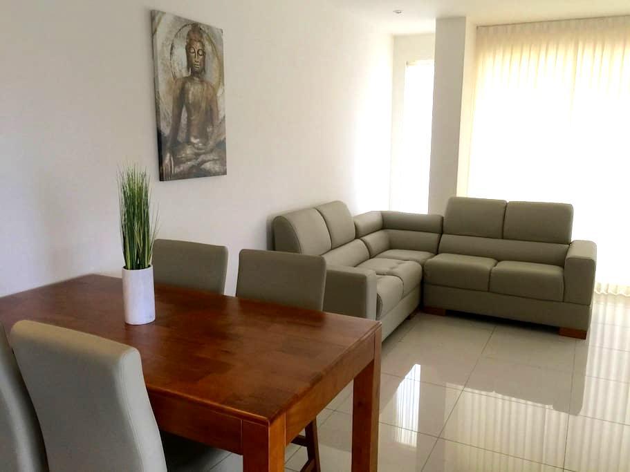 Acogedor Apartamento en Santa Ana - Santa Ana - Lägenhet