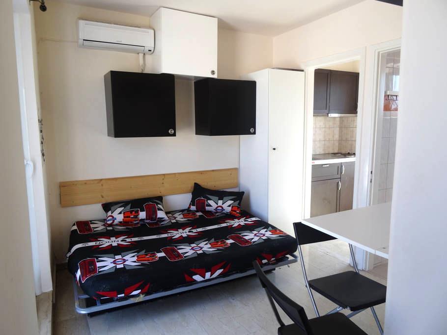 Μodern Studio next to center,port & train - Patra - Apartment