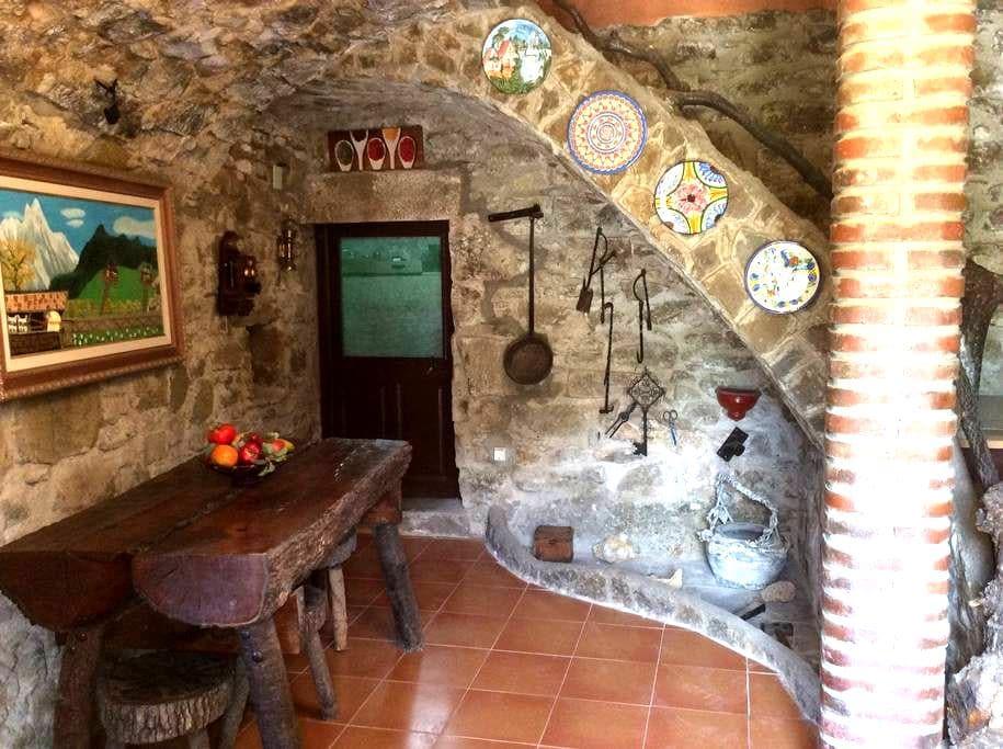 Magnifica casa rural con jardín - Monistrol de Calders