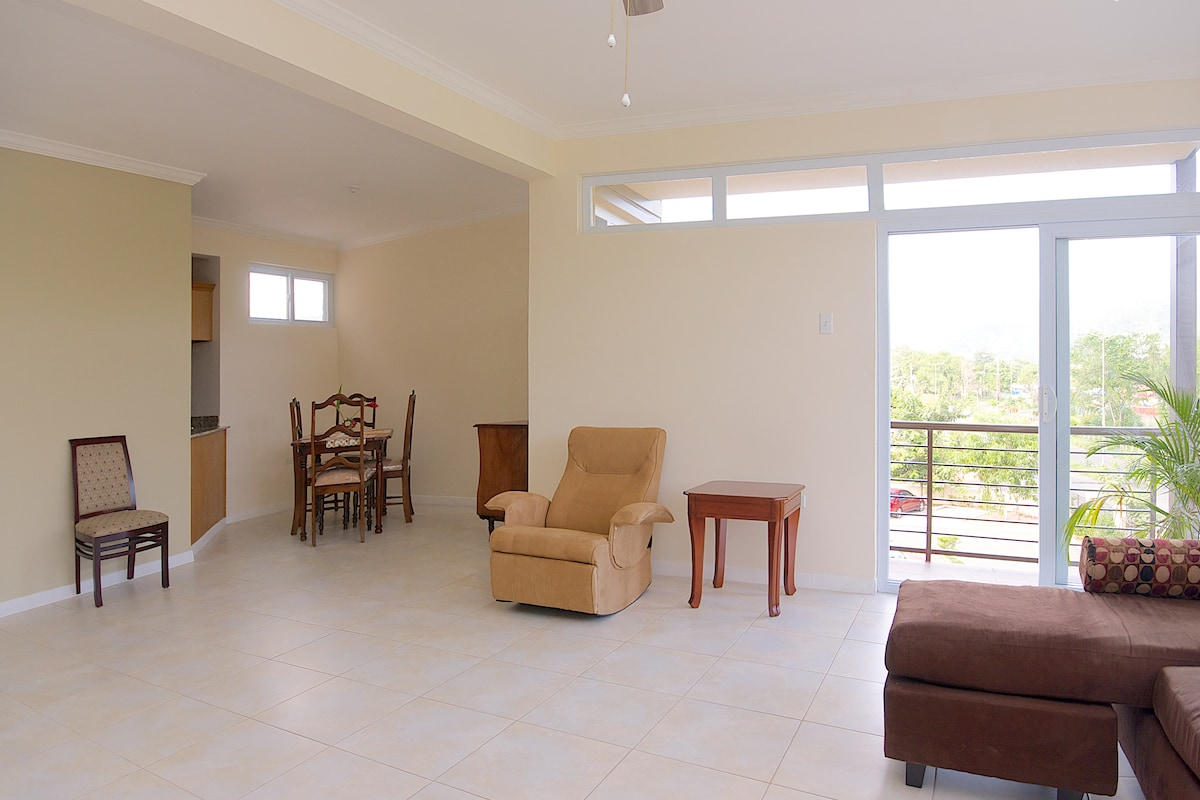 Spacious 2bed+WIFI+24H Security