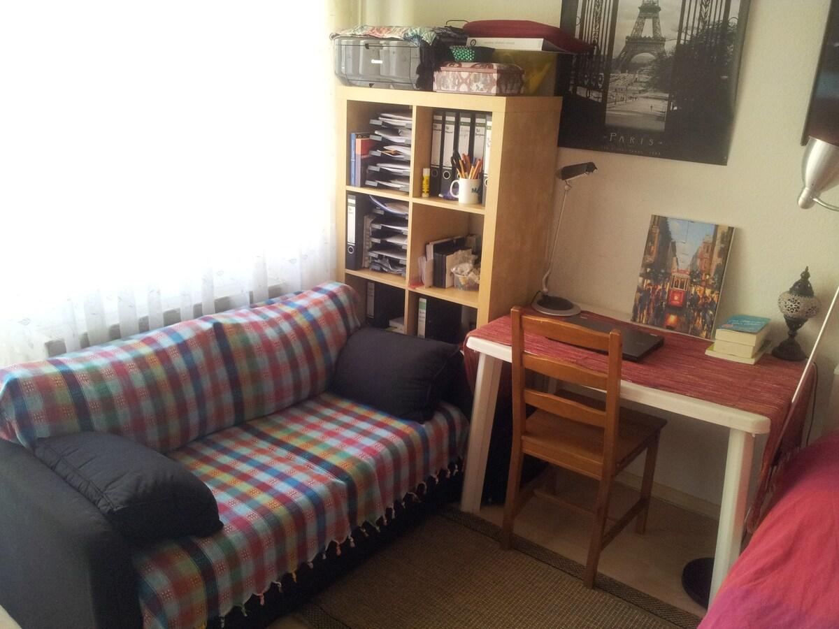 Perfect room close to the Rhein