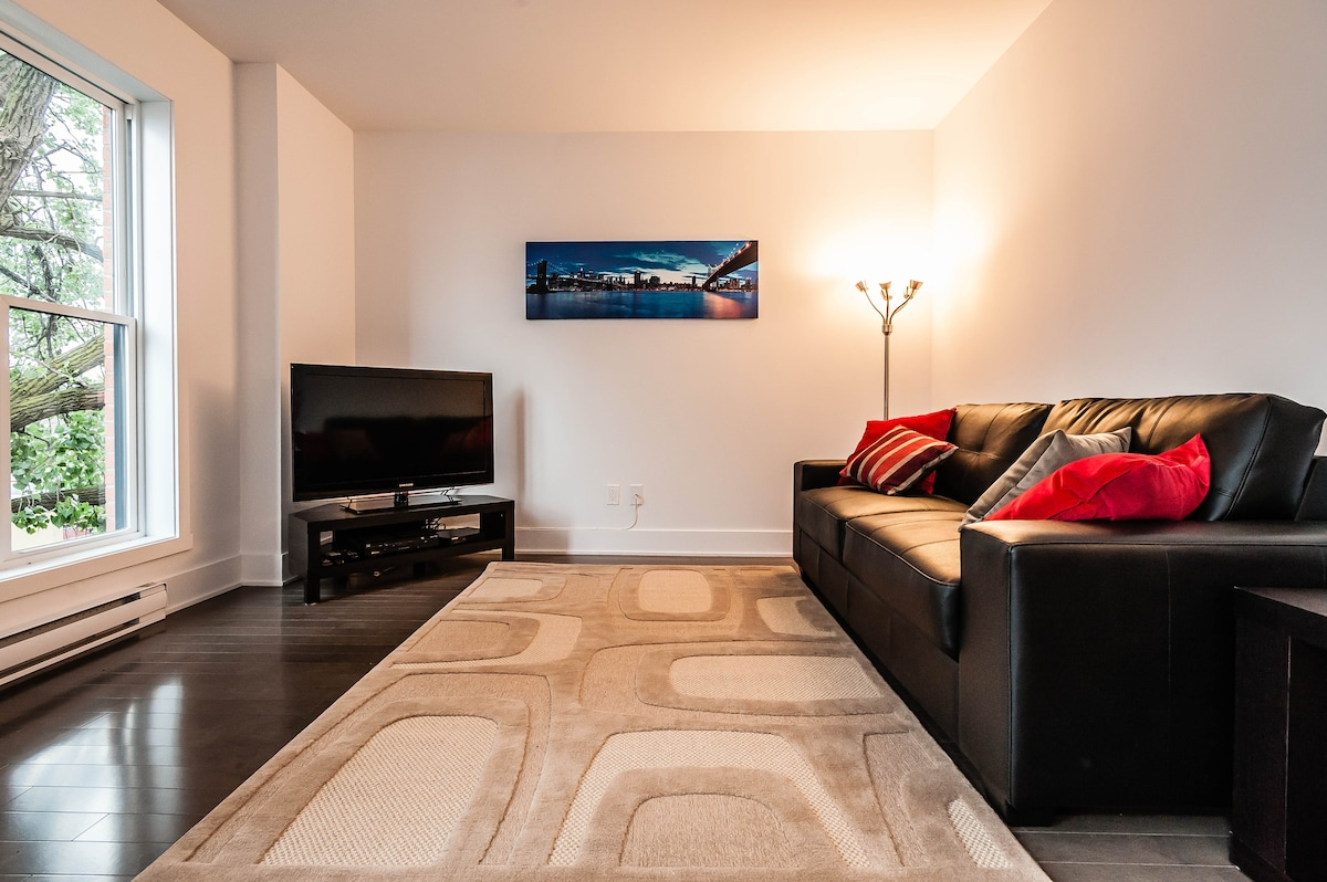Superb 1 bed, Rooftop, 1 min. sub