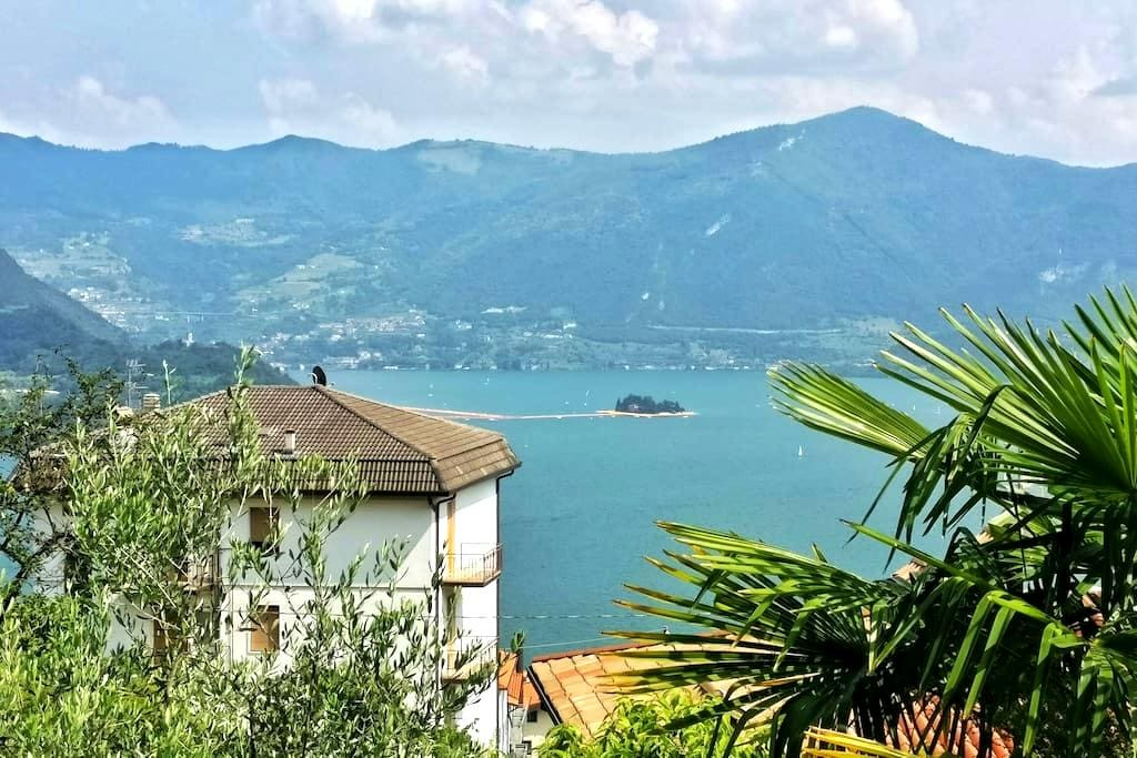 The Floating Piers View Apartment - Tavernola Bergamasca