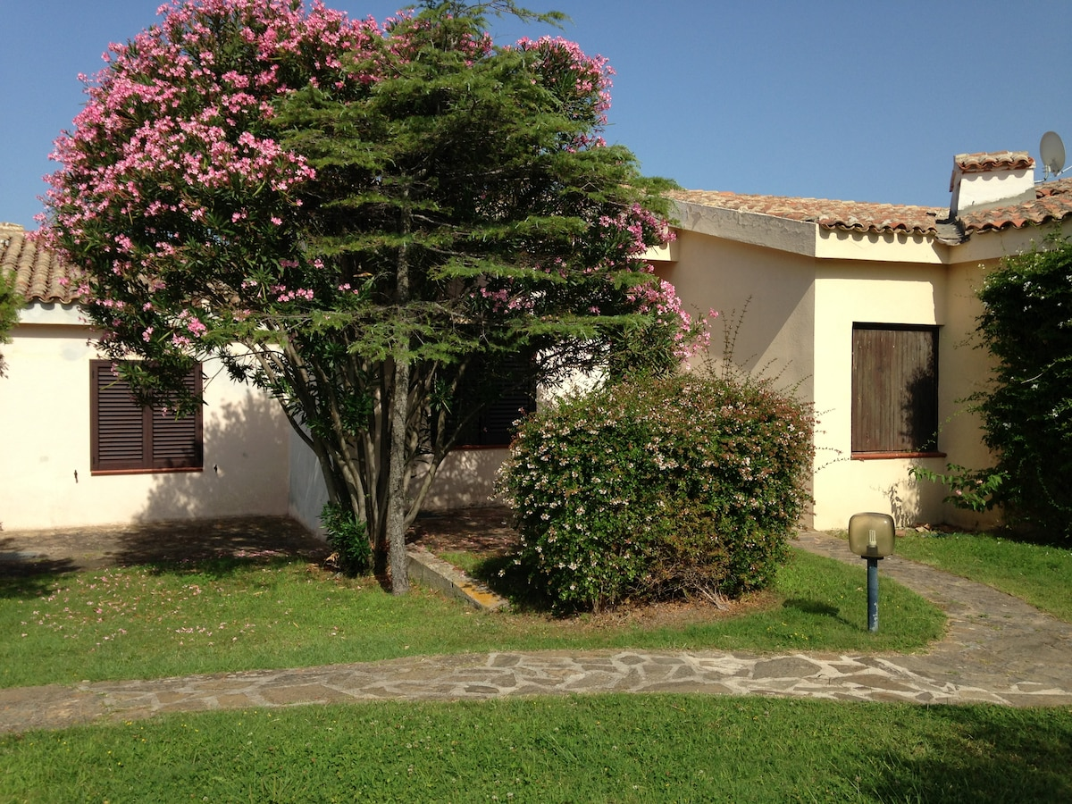 Charming Villa 80m from the beach