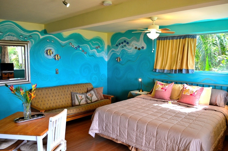 Swaying Palms Studio king bed