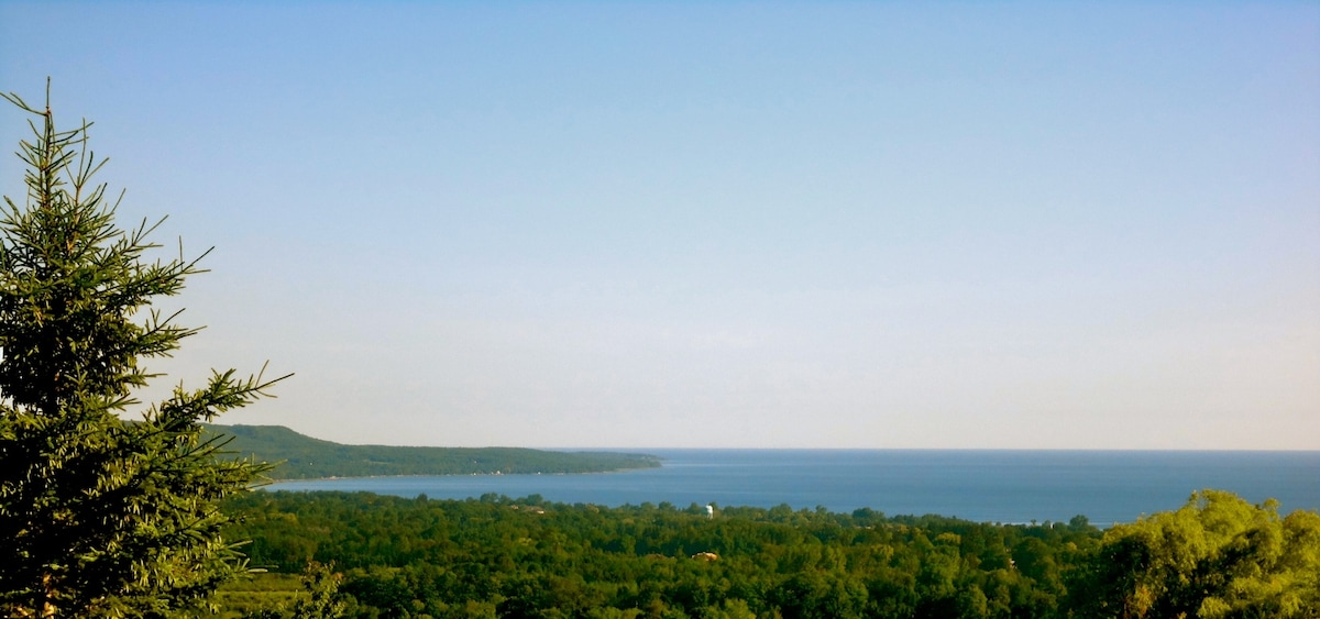 View from Bella Vista to the north, overlooking Georgian Bay.