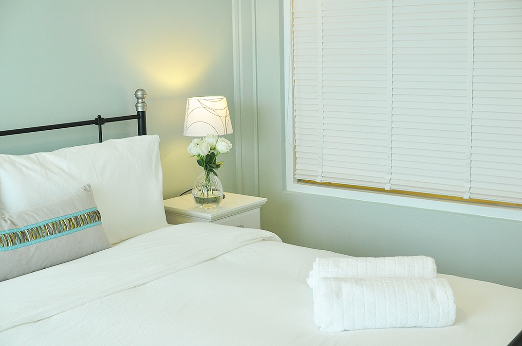Bathroom wood blinds can be closed perfectly!