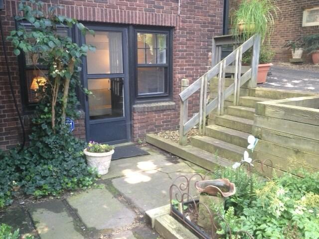 Spacious Garden Private Apartment