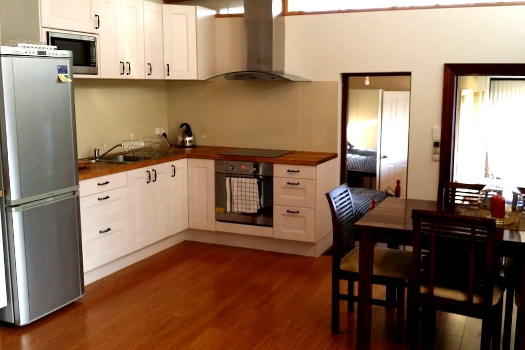 Neat unit between river & sea - Mosman Park - Apartmen