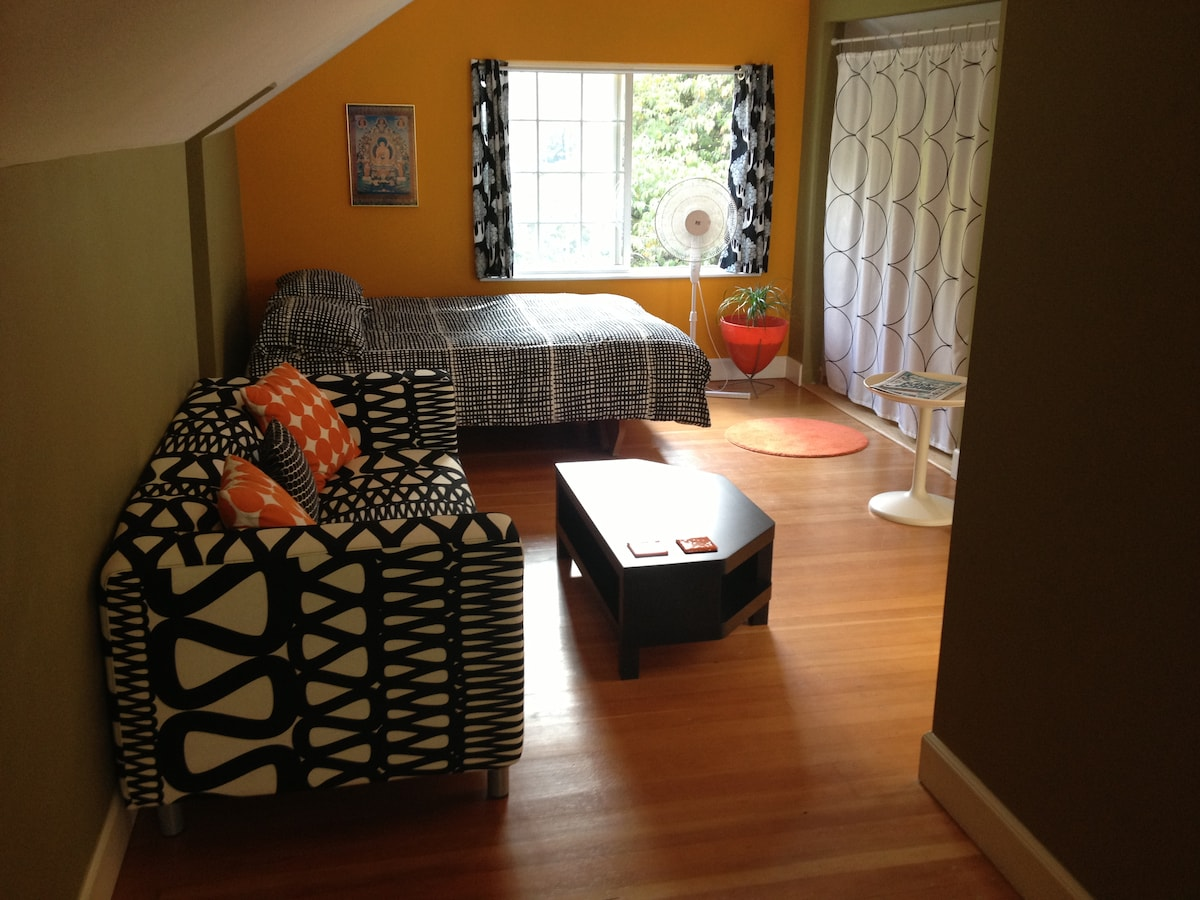 Fun, funky main room with Queen Bed.