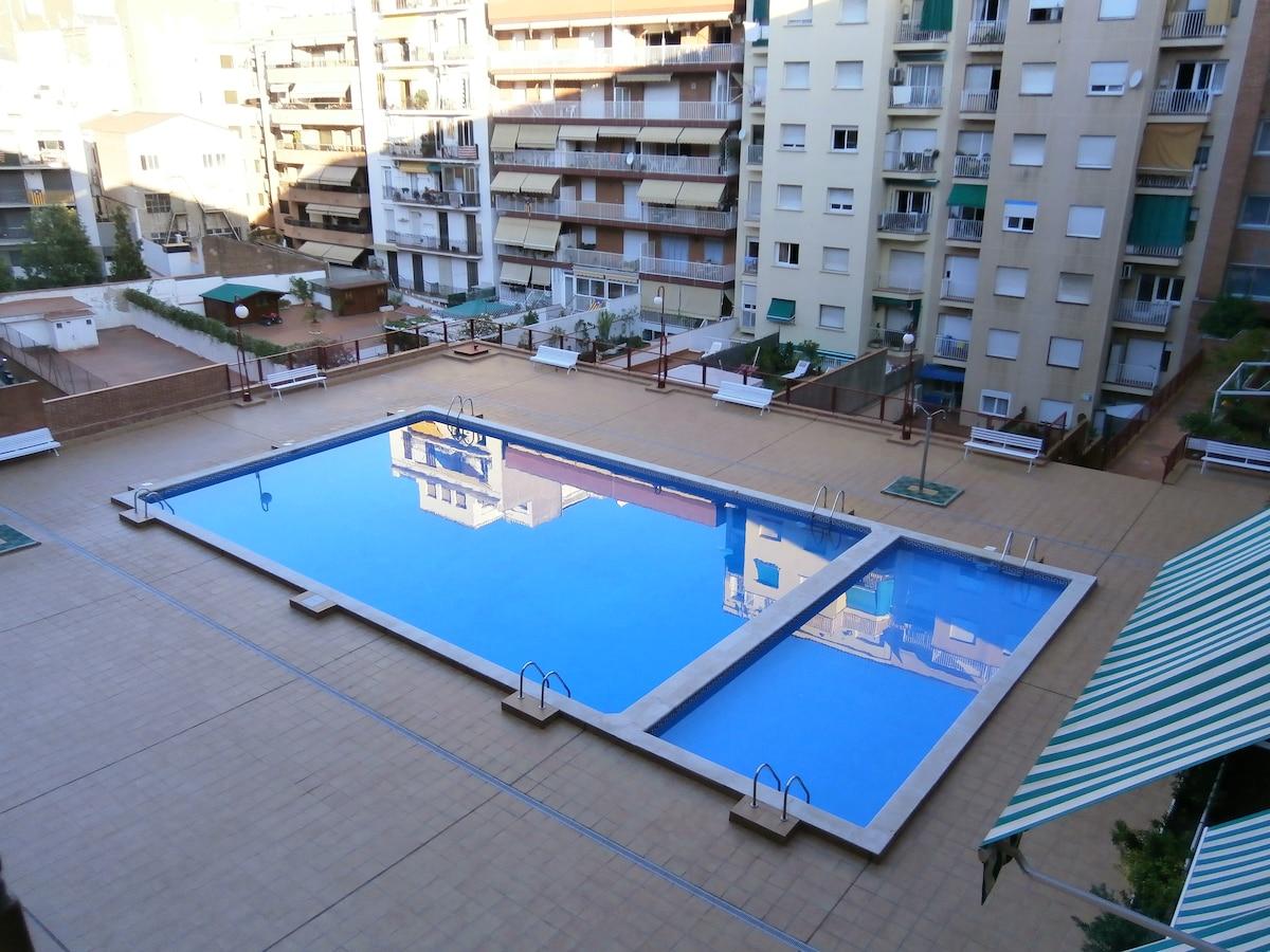 SWIM- NICE- FRIENDLY -Plaza España