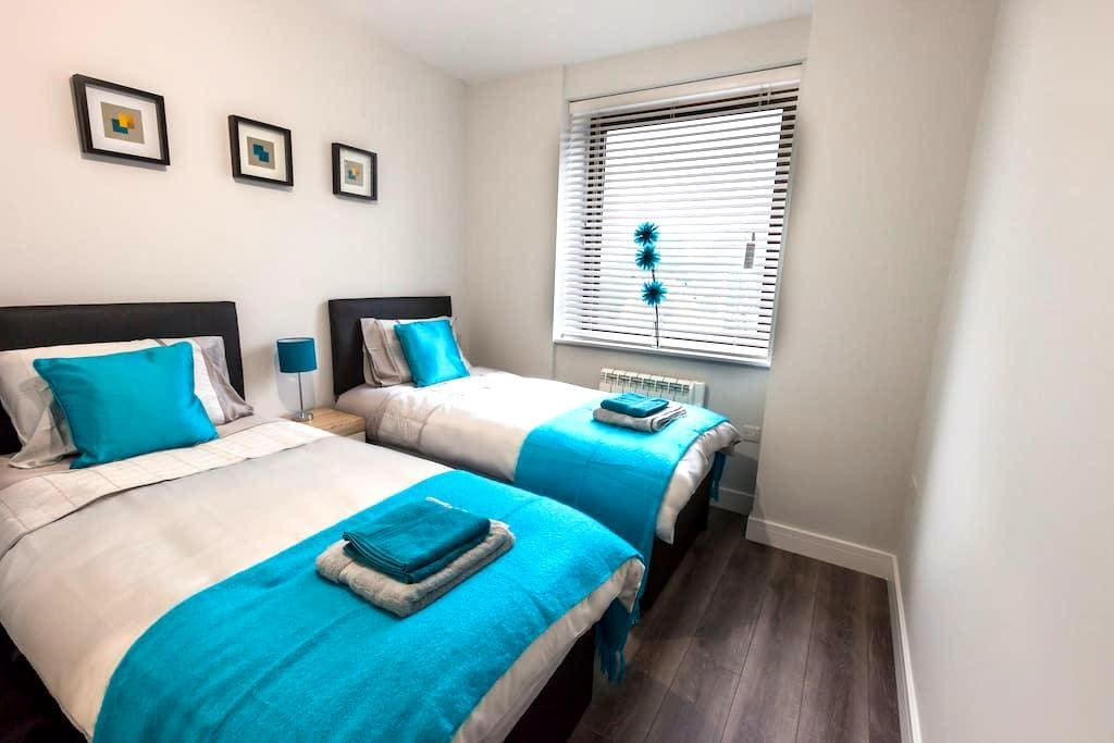NEW Luxury 2Bed 2Bath Apt, 1 minute Barnet Station - New Barnet - 公寓