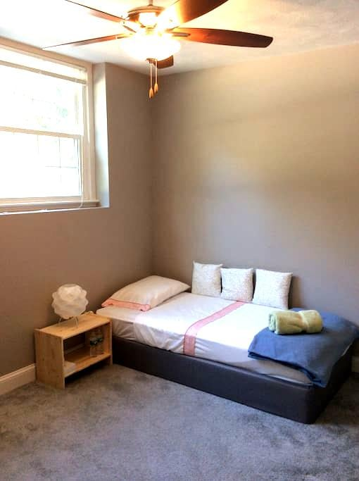 Cozy 1BD for short trips - Worcester - Apartemen