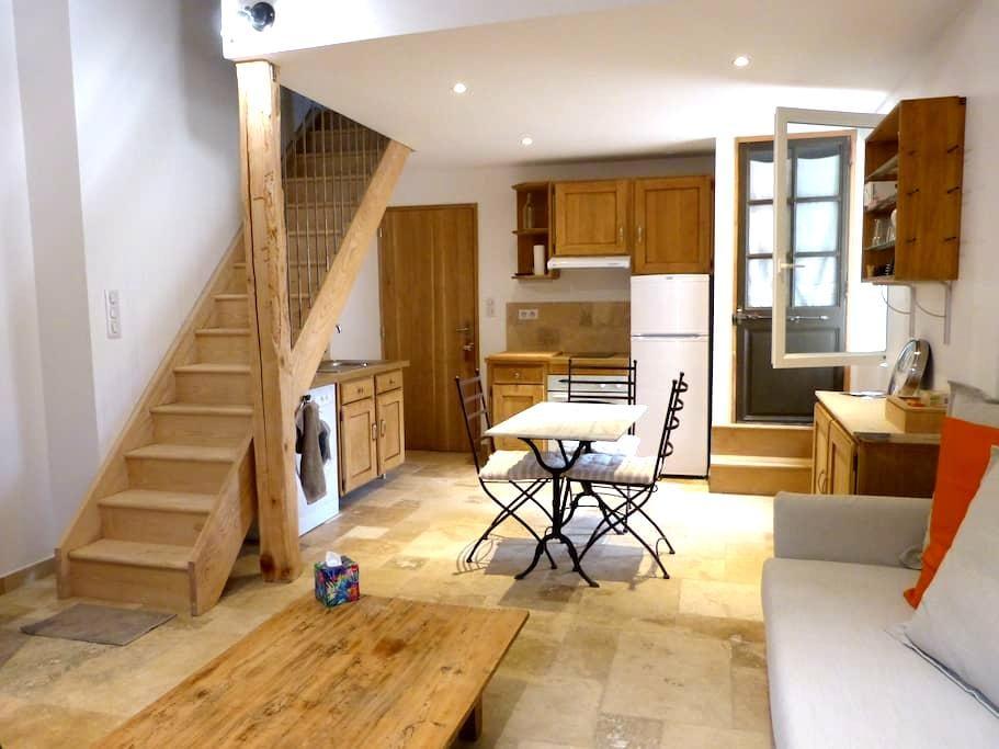 Duplex équipé dans maison rénovation de qualité - Fournes