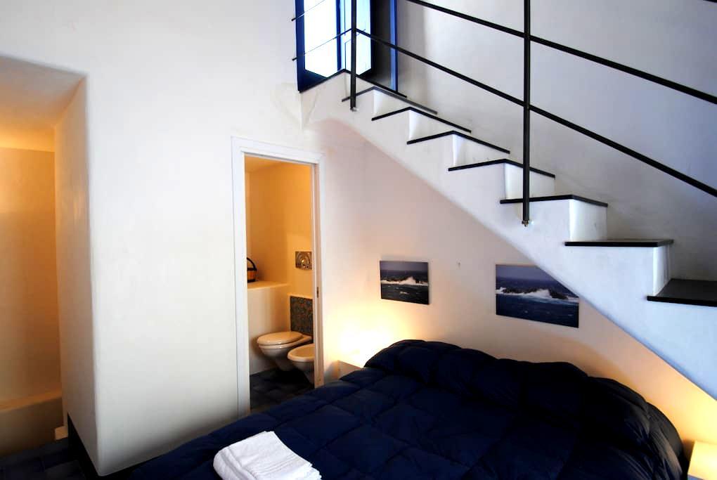 """Appartamento in centro""""Gamberetto""""  - Ustica"""