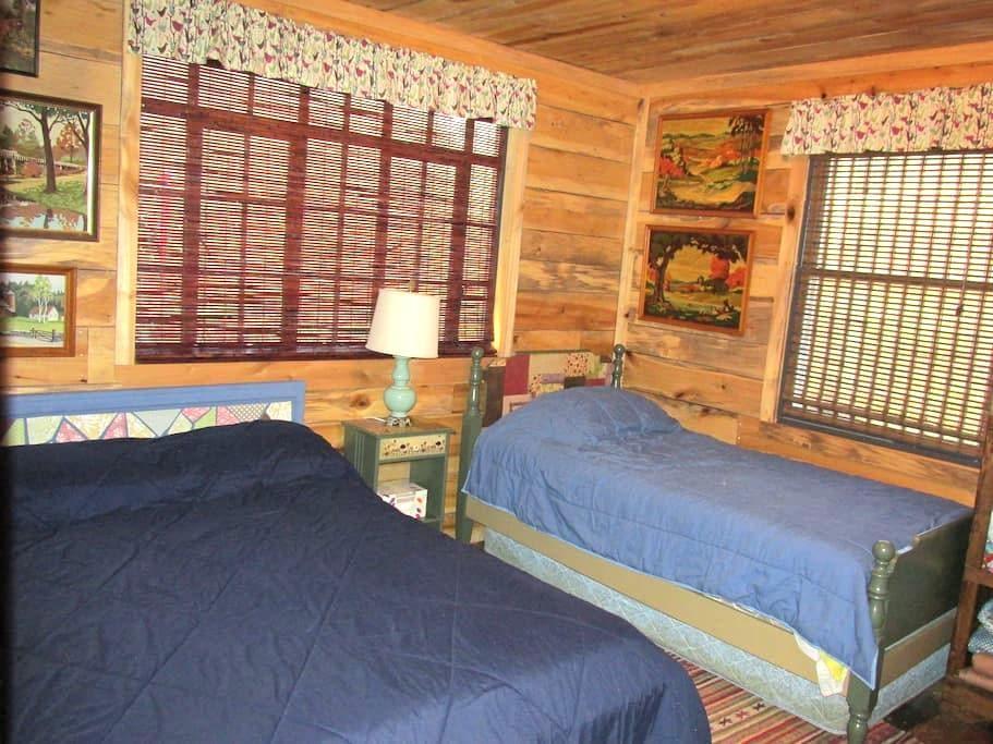 Seneca House-Double/Triple Room - Seneca Rocks - Cabaña