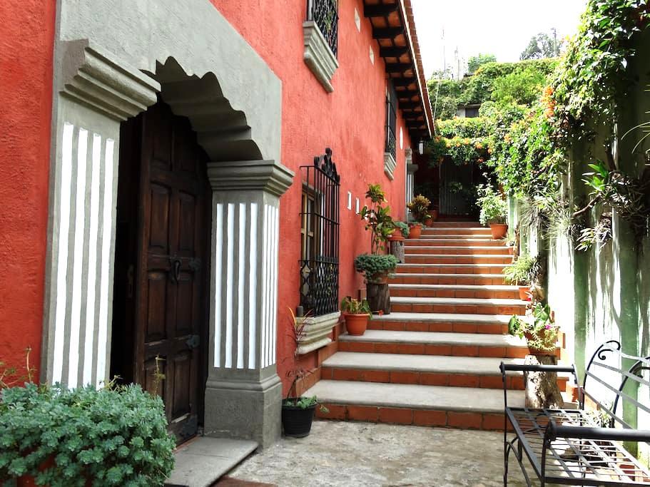 Room in Antigua 2 - Antigua Guatemala - Andre